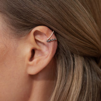 by vilma black diamond ear cuff, timantti ear cuff